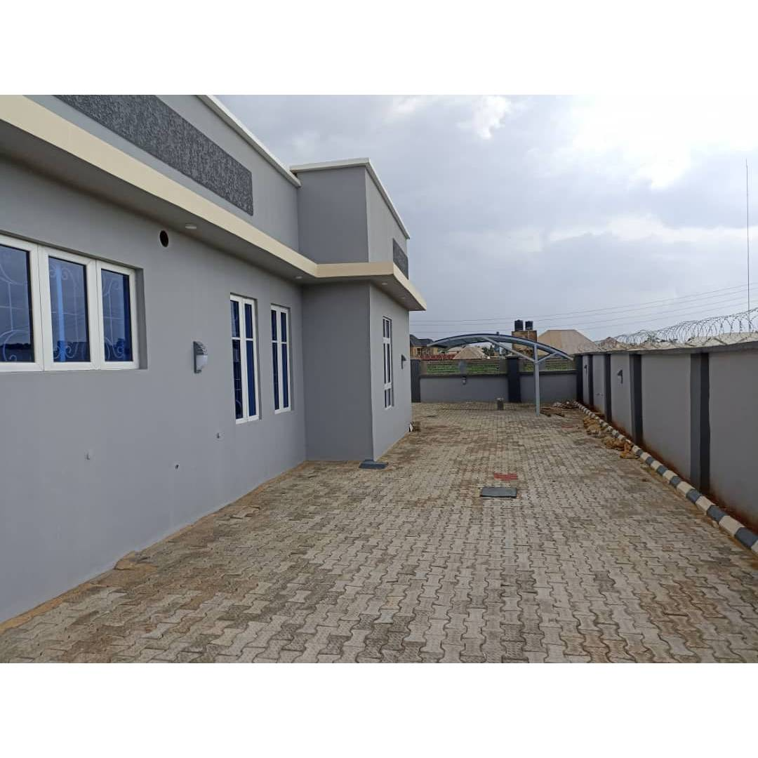 Three bedroom flat with a security house 72