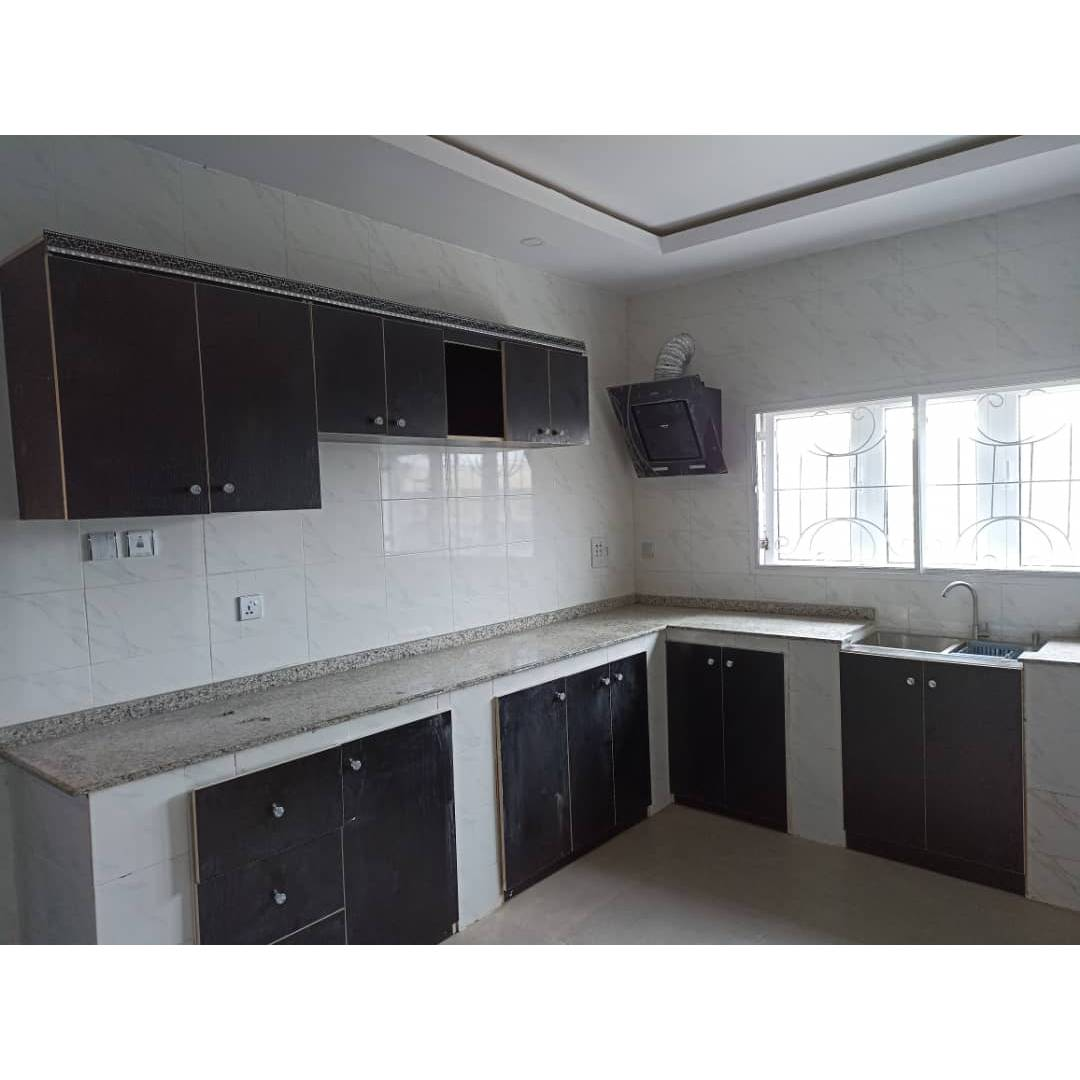 Three bedroom flat with a security house 75